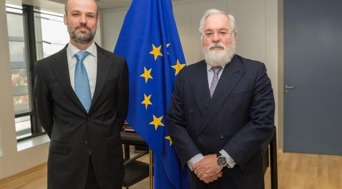 Miguel Arias Cañete recibe al Director General de CENER en Bruselas