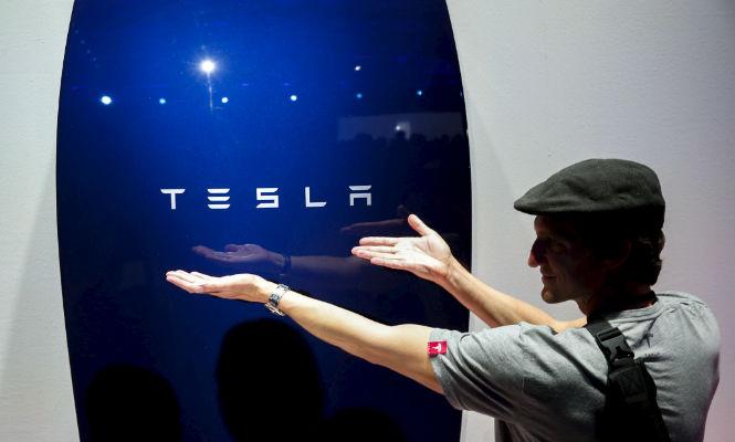 Tesla desarrrolla baterías para la energía solar