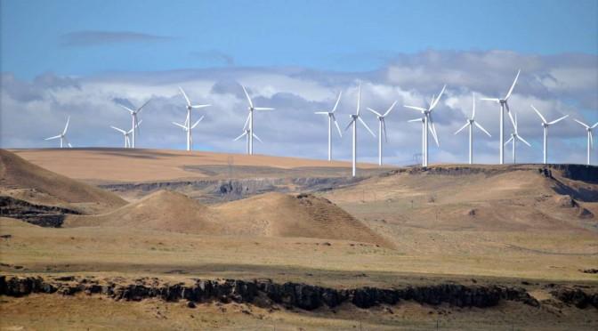 Irán inaugura central eólica con 22 aerogeneradores