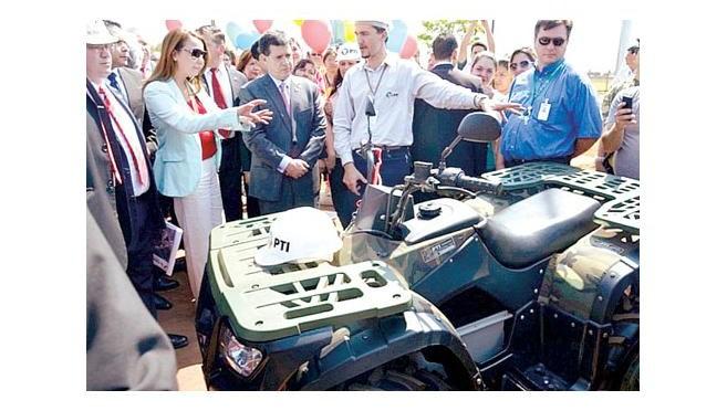Itaipú donó vehículos eléctricos para la 1ª División de Caballería en el Chaco