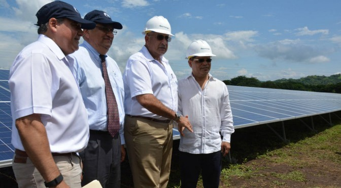 Inauguran central de energía solar fotovoltaica en El Salvador