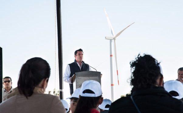 Palo alto ya genera energía eólica para hogares jaliscienses