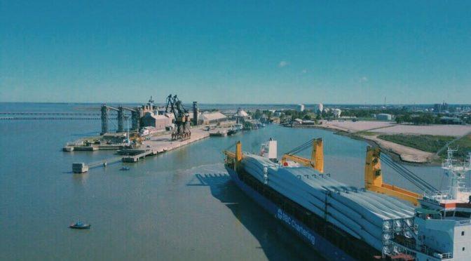 Tres barcos con aerogeneradores eólicos están agendados para llegar la semana próxima