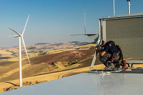 La eólica valora el informe sobre transición energética