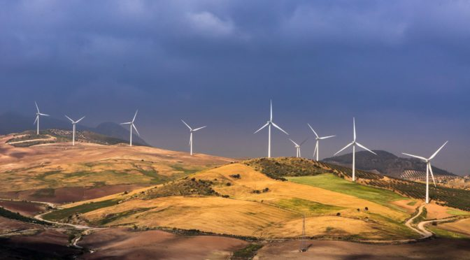 La eólica contribuye a reducir el precio de la luz en octubre de 2018
