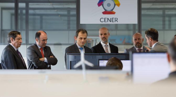 Pedro Duque destaca la aportación del CENER a la mejora de las renovables