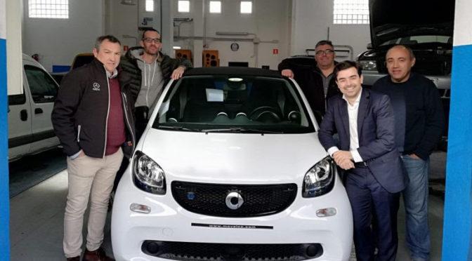 Movelco entrega seis vehículos eléctricos al Govern Balear