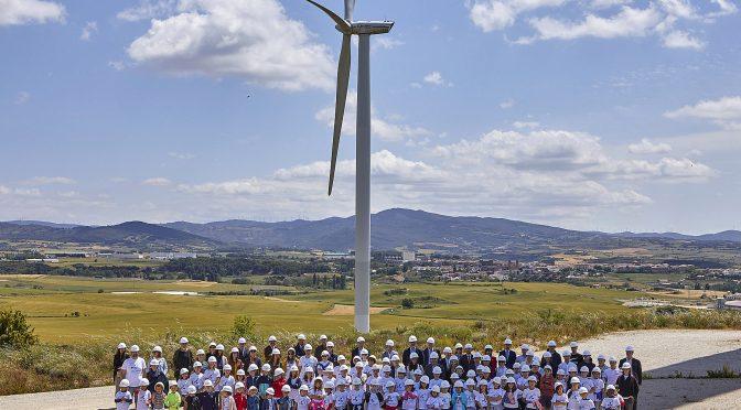 Barásoain (Navarra) celebró hoy parte de los actos centrales del Día del Viento 2019 organizados por la Asociación Empresarial Eólica
