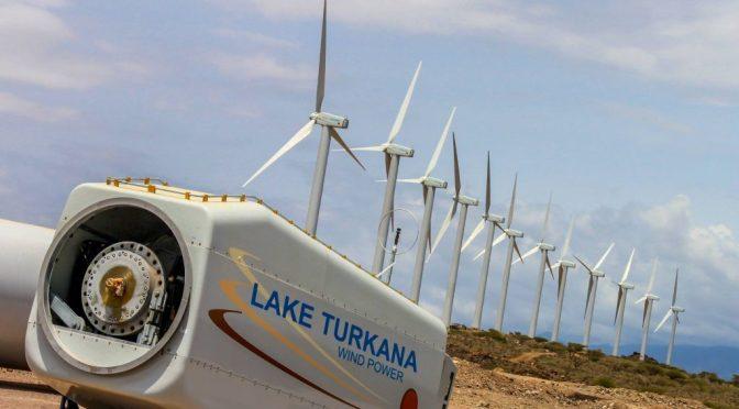 Energía eólica en Kenia: El presidente Uhuru Kenyatta encarga el parque eólico más grande de África