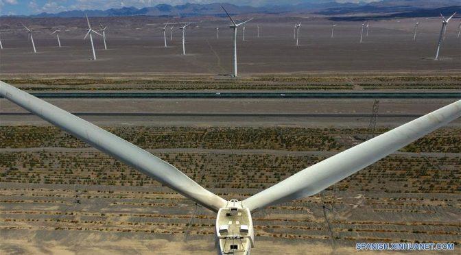 Campos de energía eólica en Xinjiang
