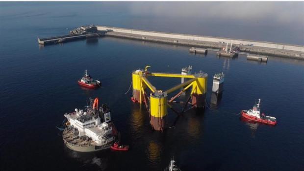La eólica flotante Windfloat Atlantic, participado por Repsol y EDP Renováveis, inicia montaje de los aerogeneradores