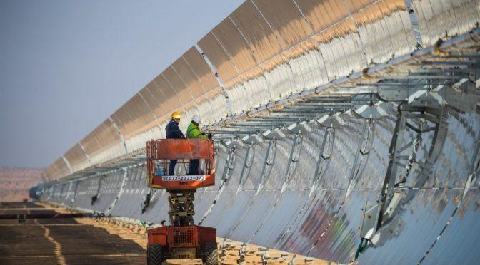 Israel inaugura la gran central termosolar de Negev