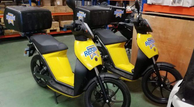 Movelco entrega tres Torrot Muvi 100% eléctricas a Recalvi para su flota de reparto