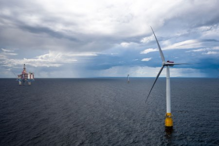 Desarrollan aerogeneradores flotantes para aprovechar la energía eólica en aguas profundas