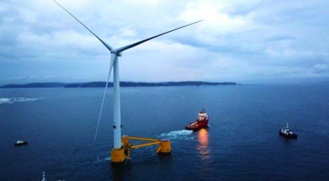 La segunda plataforma del proyecto de eólica WindFloat Atlantic parte de Ferrol a Viana do Castelo