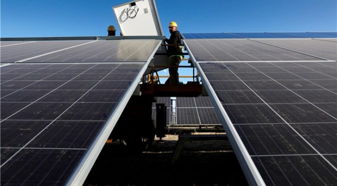 UNEF logra que Castilla-La Mancha elimine la licencia de obras a la fotovoltaica de autoconsumo