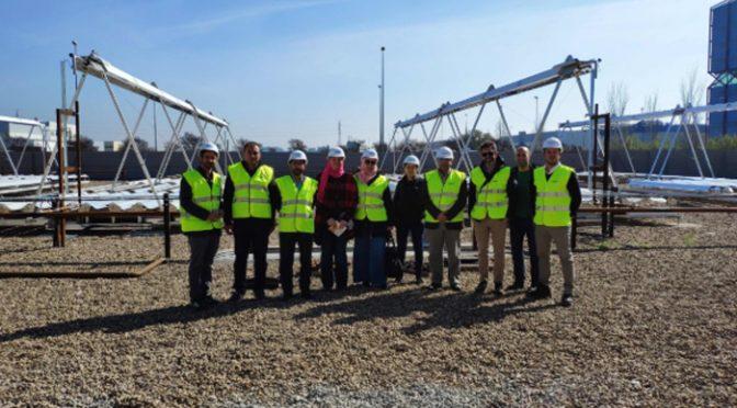 Una delegación de la agencia nacional de energía egipcia visita una de las centrales de energía termosolar de Indertec