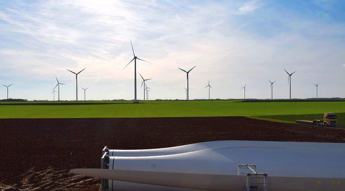 El Salvador construirá central de energía eólica con aerogeneradores de China