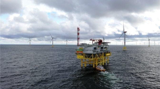 Iberdrola completa las contrataciones de su primera central de energía eólica marina en el canal de La Mancha