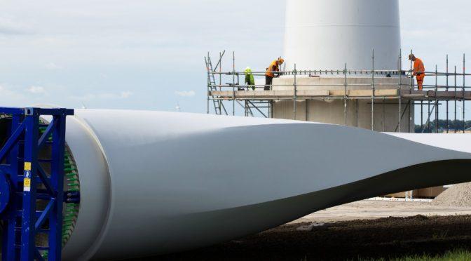 Triplicar la inversión en energía eólica, termosolar y fotovoltaica para alcanzar el objetivo climático