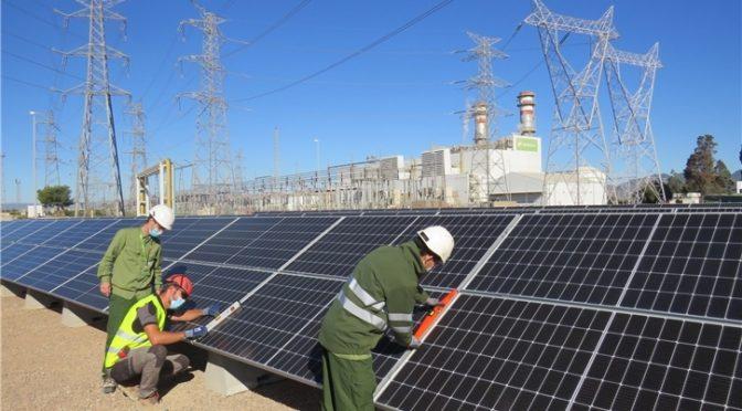 Iberdrola apuesta por la energía renovable en el ciclo combinado de Castellón