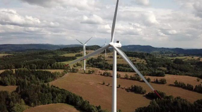 Albania planea su primera subasta de energía eólica a finales de marzo