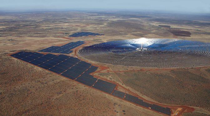 La termosolar Redstone de 100 MW con 12 horas diarias de almacenamiento cierra la financiación