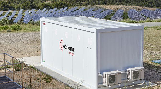 Acciona conecta a red la primera planta de almacenamiento renovable con baterías recicladas de España