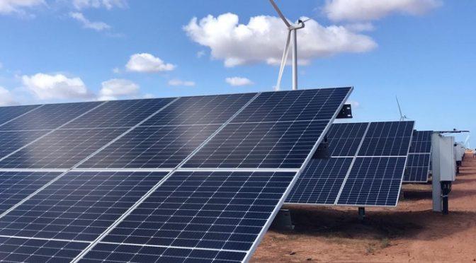 Iberdrola finaliza el central eólica de su primera planta híbrida en el mundo