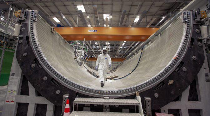 GE Renewable Energy lanza el segundo molde de la pala eólica de 107 metros en Cherburgo, Francia